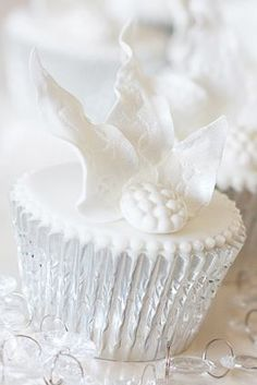 Cupcake with frosty silver paper
