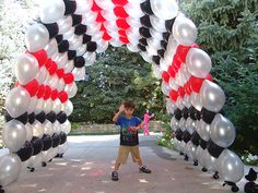 Google Image Result for http://www.balloons-denver.com/wp-content/uploads/2009/04/link-o-loon-balloon-arch-2.jpg