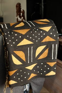 Feng Shui Symbols for Prosperity and Abundance African Rugs, African Textiles, African Fabric, African Interior Design, African Design, Tribal Patterns, Fabric Patterns, African Patterns, Afro Chic