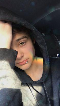 Jyler - Whats going on Cute Teenage Boys, Cute Girls, Justin Drew Blake, Tyler Brown, Most Beautiful People, Emo Hair, Cute Gay, Hot Boys, Pretty Boys