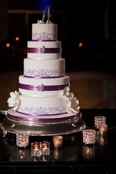 I adore these stunning photos by Cliff Brunk Photography that captured the traditional Nigerian clothing and gorgeous scenery of this San Francisco wedding. Wedding Table, Wedding Blog, Wedding Photos, Wedding Ideas, Gorgeous Cakes, Amazing Cakes, Brides Cake, Purple Wedding Cakes, Multicultural Wedding