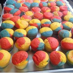 Superman Cupcakes by The Butter Scotch Shop