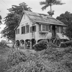 La Rencontre.....1966...woonhuis op plantage.....kijk naar het mooie kookraam.