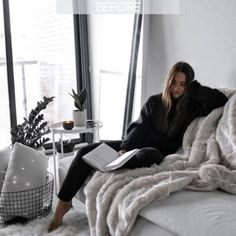 49 Trendy Ideas Home Decored Cozy Bedroom Fur Throw Lifestyle Photography, Photography Poses, Shotting Photo, Best Photo Poses, Foto Casual, Home Photo, Rugs In Living Room, Room Rugs, Photoshoot Inspiration