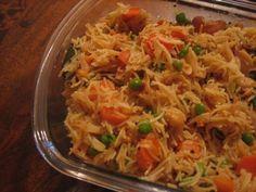 Vermicelli Upma Recipe - Chana & Urad dal, Mustard seeds, Carrots, Green chillies, Cashews, Peanuts, Onions, Ginger, Ghee, Potatoes, Peas & Tomatoes