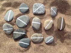 White Line Pebble Maths - a lovely provocation for creativity and critical thinking from CreativeSTAR Reggio Classroom, Outdoor Classroom, Classroom Design, Preschool Math, Kindergarten Math, Maths, Outdoor Education, Outdoor Learning, Characteristics Of Effective Learning