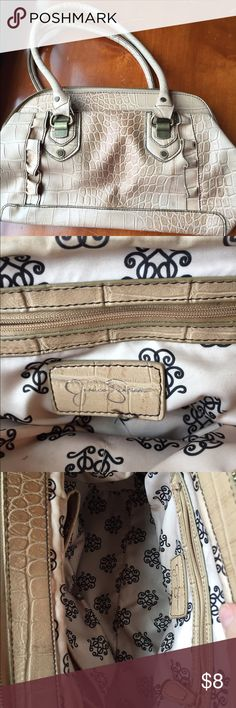 Jessica Simpsom purse EUC creamy taupe faux alligator skin purse. No markings or tears. Only used a couple of times. Cute detailing on the front. Jessica Simpson Bags Mini Bags