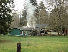 Elma Fire Department Attacks House Fire - Elma, WA - Fire District 5 knocked down a kitchen fire yesterday morning that Fire Chief Dan Prater tells us could have been far worse had first responders not acted quickly and tore into the small