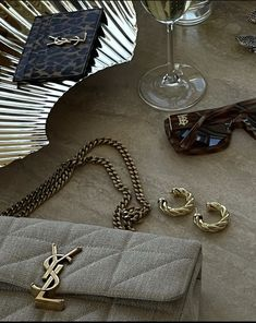 Luxury Lifestyle, Wallet, Chain, Bags, Outfits, Accessories, Fashion, Fashion Styles, Handbags