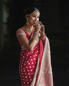 South Indian Bride Saree, Indian Bridal Sarees, Bengali Bride, Indian Wedding Wear, Indian Bridal Fashion, Saree Wedding, Marathi Bride, Desi Wedding, Indian Wear