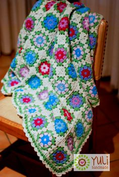 Sweet pea crochet blanket - exactly the kind of thing I want to learn how to make :)