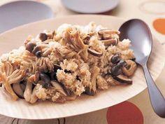 村田 吉弘 さんの米を使った「きのこの炊き込みご飯」。4種類のきのこの香りと風味を炊き込んだ、季節を味わうご飯です。水は白米を炊く場合と同量で。 NHK「きょうの料理」で放送された料理レシピや献立が満載。