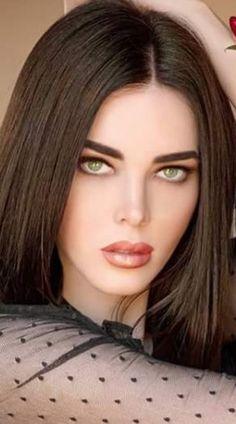 Most Beautiful Eyes, Beautiful Girl Image, Gorgeous Women, Glamour Beauty, Brunette Beauty, Pretty Face, Hair Cuts, Elon Musk, Beauty Girls