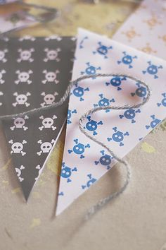 7 Cazadora de inspiración © Anna Tykhonova DIY: Como hacer una guirnalda de banderines para la habitación de los niños