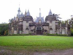 Argentina - Castillo Naveira Futuristic Architecture, Beautiful Architecture, Beautiful Buildings, Rio Grande Do Sul, Art Nouveau Arquitectura, Spanish Heritage, Beautiful Places To Visit, South America, Barcelona Cathedral
