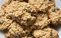 Recipe: Oatmeal and Grape Cookies. Easy Christmas Cookie Recipes, Christmas Cookies, Biscuits, Gluten Free Cookies, Galette, Chocolate Chip Cookies, Muffins, Oatmeal, Yummy Food