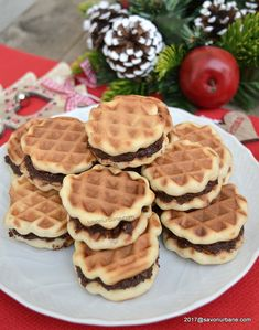 cum se fac prajituri fagure de casa Beignets, Romanian Food, Cheesecakes, Waffles, Sweet Tooth, Clean Eating, Yummy Food, Yummy Recipes, Food And Drink