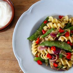Curried Pasta Salad – The Baking Nutritionist Dairy Free Recipes, Easy Healthy Recipes, Healthy Cooking, Vegan Recipes, Easy Meals, Spicy Curry Recipe, Curry Recipes, Savory Snacks, Healthy Snacks