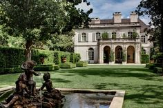 CURB APPEAL – another great example of beautiful design. arabella lennox-boyd west loggia, crespi estate dallas.