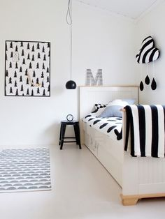 Monochrome kids room, kids bedroom idea, black and white kids room Little Boys Rooms, Kids Rooms, Room Kids, White Kids Room, White Boys, Childrens Beds, Kids Room Design, Kid Spaces, Kids Decor