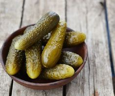 Here& why you should add more fermented foods to your diet to benefit your gut microbiota. Probiotic Foods, Fermented Foods, Hungarian Cuisine, Beef And Potatoes, Sweet Pickles, Food Combining, Food Science, Food Trends, Kitchen