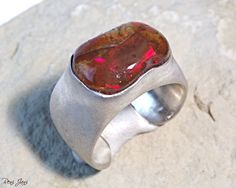 Your place to buy and sell all things handmade Raw Opal Ring, Ethiopian Opal Ring, Opal Gemstone, Gemstone Rings, Opal Edelstein, 925 Silver, Silver Rings, Ring Der O, Rough Opal