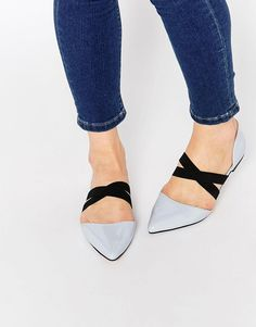 The perfect pair of modern flats, these Logical Elastic Detail Point have a high-shine faux-leather upper and contrast crossover strap - get even more style and shopping inspiration on http://jojotastic.com/shop-my-favorites/
