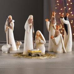 """Silent Night, Holy Night"" 9-Piece Nativity Set"