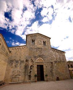 Abbadia a Isola (Monteririggioni): Abbazia dei Santi Salvatore e Cirino. Foto di Vignaccia76 su http://commons.wikimedia.org/wiki/File:Abbadia_a_Isola.jpg