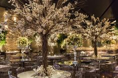 You may already be familiar with the common wedding flowers such as boutonnieres, bouquets, and centerpieces as well. It would be the peak of the iceberg when you have to use flowers in a big day Wedding Goals, Wedding Themes, Chic Wedding, Luxury Wedding, Wedding Designs, Floral Wedding, Wedding Ceremony, Wedding Flowers, Dream Wedding
