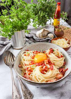 Pasta Carbonara Recept, Tofu, Bacon, Spaghetti, Corner, Lunch, Ethnic Recipes, Inspiration, Biblical Inspiration