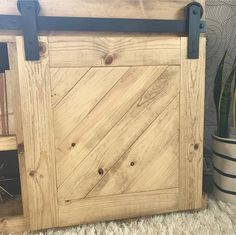 Sliding Barn door console for the home living room. Need a tv stand? check out these free plans #tvconsole