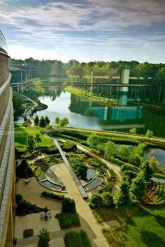 Lowes Corporate Headquarters Cracks the Corporate Mold - Outdoor - Architecture Landscape And Urbanism, Landscape Architecture Design, Green Architecture, Landscape Plans, Futuristic Architecture, Sustainable Architecture, Urban Landscape, Landscape Architects, Classical Architecture