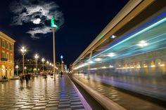 Neu in meiner Galerie bei OhMyPrints: NIZZA Place Masséna #Nizza #Nice #cityscape #bulb #evening #night #train #Nacht #Abend #Zug #Mond #moon