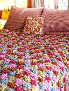 FREE.Wow. Multi coloured star flowers all joined into afghan. The time!!! But amazing, free pattern. Thanks so xox