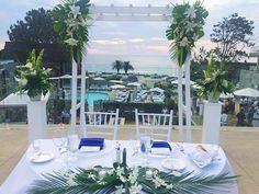 Blues + a view. Another of our favorite #LaubergeDelMarWeddings! #delmar #laubergedelmar #sandiego #sdweddings #sandiegoweddings #weddingday #brides #bridetobe #bridesmag #inspo #weddinginspo