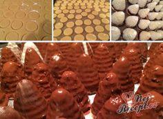 Nejlepší recepty na vosí hnízda a včelí úlky | NejRecept.cz Gingerbread Cookies, Christmas Cookies, Sweet Tooth, Muffin, Sweets, Meat, Breakfast, Food, Molten Chocolate