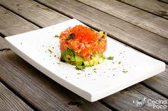 La receta del tartar de salmón, es una de las que últimamente más me habéis preguntado, así que como lo prometido es deuda, os dejo una de las formas que a mi gusto es como mejor se aprecia el salm…