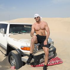 Desert 🌵 🐫🐪 Adventure #wweabudhabi #goodtimes 📷 @craigambrosio