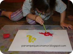 Para mi peque con amor: Pintando bichos con témperas y agua.