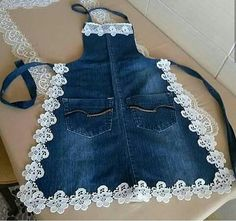 Eskiyen kotlarinizi bu sekil degerlendirebilirsiniz kizlar You can evaluate your worn jeans this way, girls Pin: 1074 x 1069 Sewing Aprons, Sewing Clothes, Diy Clothes, Denim Aprons, Sewing Rooms, Jean Crafts, Denim Crafts, Artisanats Denim, Jean Apron