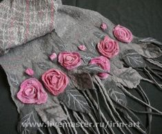 Grey and pink felt scarf Nuno Felting, Needle Felting, Silk Ribbon Embroidery, Hand Embroidery, Felt Flowers, Fabric Flowers, Nuno Felt Scarf, Felted Scarf, Creation Couture