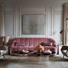 Pink Sofa, Pink Velvet Sofa, Blush Sofa, Purple Couch, Design Living Room, Living Room Decor, Dining Room, Home Interior, Modern Interior