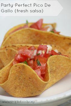 Super Simple Pico de Gallo {fresh salsa} | Happy Wives Club
