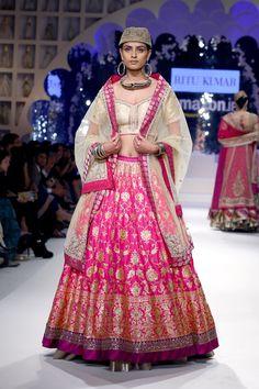 Buy Online Punjabi Wedding Lehenga Designer Collection Call/ WhatsApp us 77164 Designer Bridal Lehenga, Bridal Lehenga Choli, Indian Lehenga, Indian Dresses, Indian Outfits, Mehendi Outfits, Lehenga Style, Lehenga Collection, Lehenga Designs