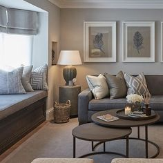 Relaxed interiors in the family room at our Esher project #sophiepatersoninteriors #luxuryinteriors #interiordesign #art #decor #homedecor