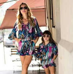 Dark glasses and comfy outfits for a sunny day Mommy And Me Shirt, Mommy And Me Outfits, Little Girl Outfits, Twin Outfits, Matching Family Outfits, Kids Outfits, Mother Daughter Dresses Matching, Mother Daughter Fashion, Chloe Fashion