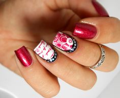 "Nail art stamping Pueen n°22 ""Sumptuous Gallery"" and plate Moyou Princess Collection n°8."