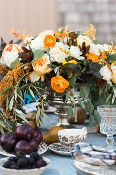 What are today's freshest floral picks? We rounded up a group of top wedding planners and let them weigh in. Cheap Wedding Venues, Wedding Ceremony Decorations, Our Wedding Day, Autumn Wedding, Wedding Expenses, Wedding Planner, Orange Wedding, Floral Wedding, Wedding Invitations Online