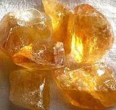 Honey calcite is a stone that gently amplifies energy. It also assists in the challenges associated with change. Honey calcite enhances psychic abilities, astral projection and higher consciousness. It also enhances intellect and memory.